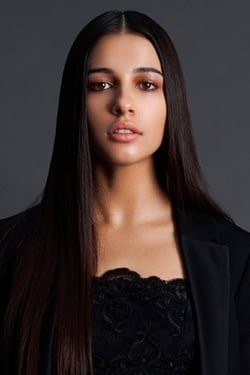 Naomi Scott